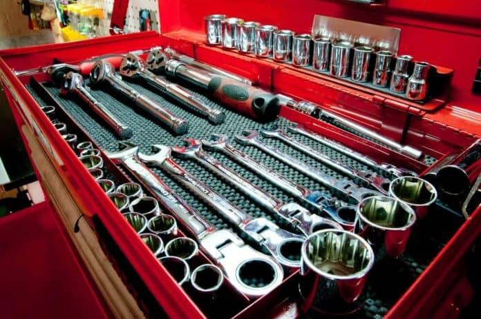How to Organize a Tool Chest - mytoolsmyrule.com